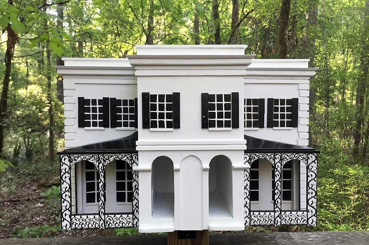 Birdhouse replica of the Governor's Mansion created by Mike Dawson.